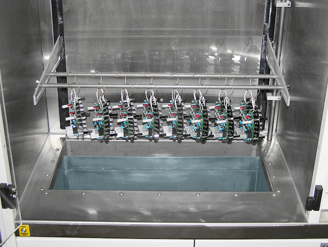 Dip tank of the conformal coating dip system from SCH technologies