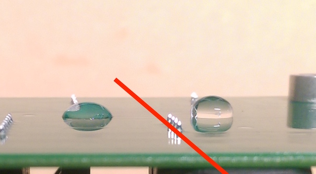 Conformal coatings like acrylics and urethanes do not have water repellent properties (left). A hydrophobic conformal coating repels the water and does not allow it to wet the surface (right).